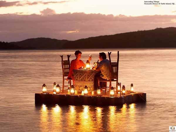 Ide-Kado-Pernikahan-Terbaik-Dan-Berkesan-Bagi-Pasangan-Suami-Istri-Voucher-dinner-romantis