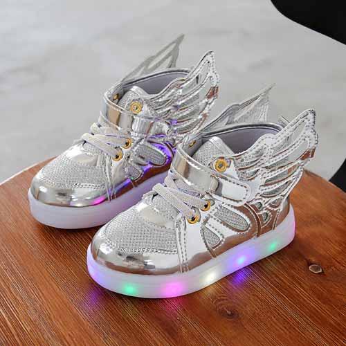 Inspirasi Kado Natal Terbaik Untuk Orang Keponakan - Sepatu