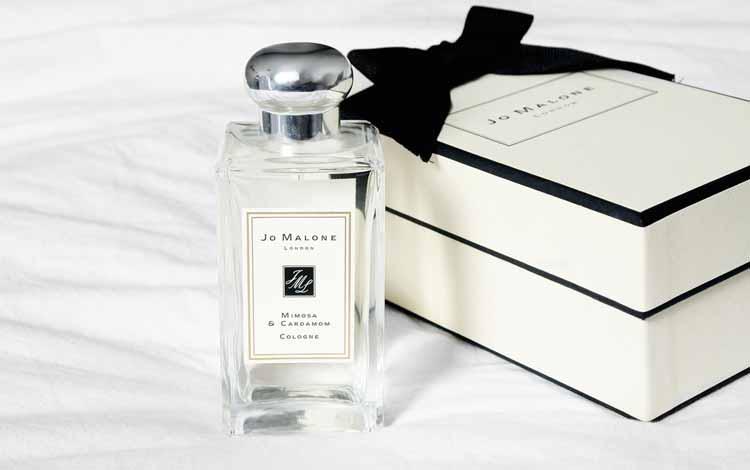Kado Natal Untuk Kakak atau Sepupu - Parfum