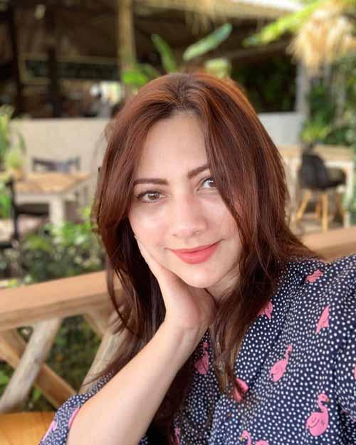 Pemain Sinetron Cinta Karena Cinta SCTV - Cut Keke sebagai Mamanya Mila, Jenar, & Dinda