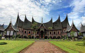 Rumah Adat Indonesia - Rumah Gadang, Sumatera Barat