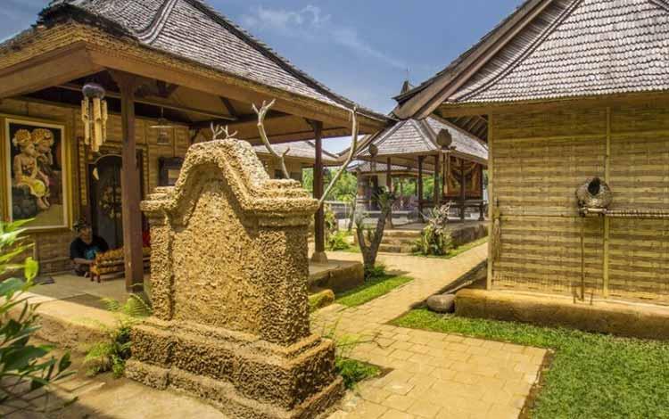 Rumah Adat Gapura Candi Bentar Berasal Dari Daerah Rumah Adat Bali Aling Aling