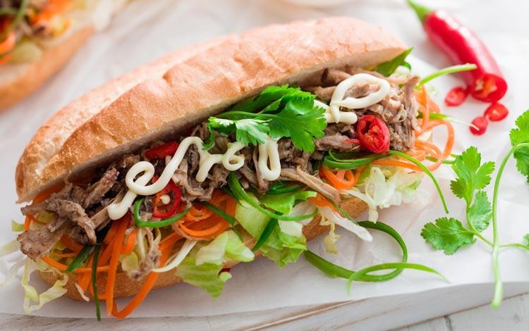 Daftar Street Food Terenak dan Terpopuler Dari Seluruh Dunia - Banh mi, Vietnam