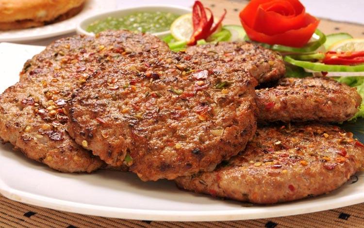 Daftar Street Food Terenak dan Terpopuler Dari Seluruh Dunia - Chapli kebab, Pakistan