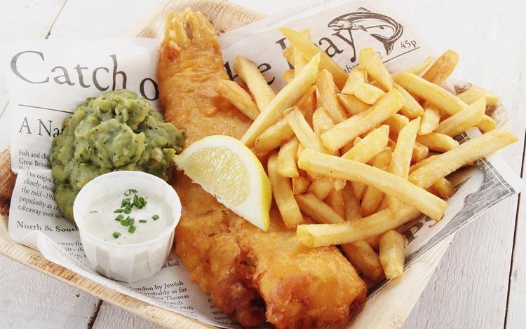 Daftar Street Food Terenak dan Terpopuler Dari Seluruh Dunia - Fish and chips, Inggris