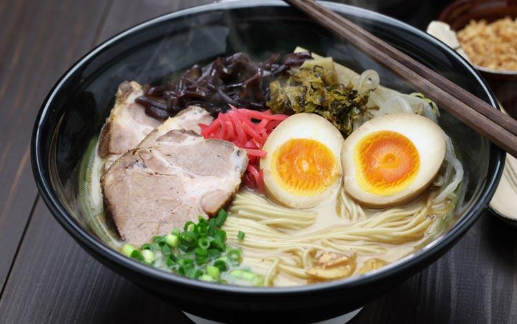 Daftar Street Food Terenak dan Terpopuler Dari Seluruh Dunia - Ramen, Jepang