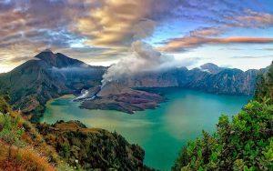 Danau Terindah Di Indonesia - Danau Segara Anak, Nusa Tenggara Barat