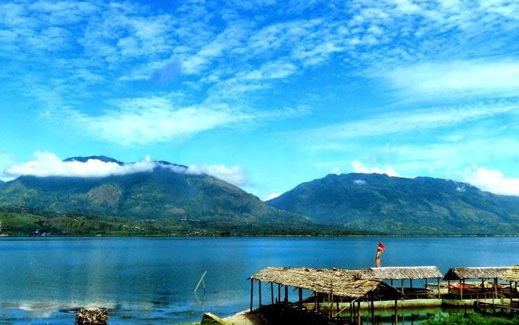 Danau Terindah Di Indonesia - Danau Singkarak, Sumatera Barat