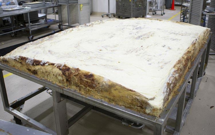 Deretan Makanan Dengan Ukuran Super Jumbo - Cinnamon Roll