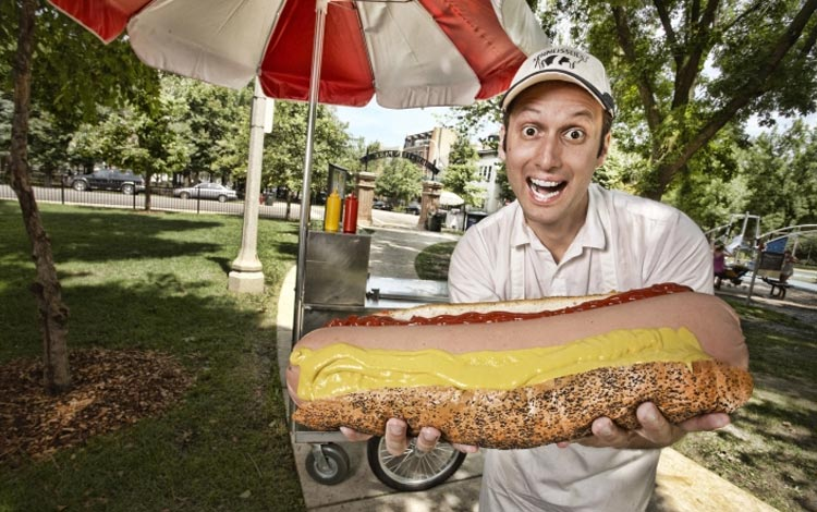 Deretan Makanan Dengan Ukuran Super Jumbo - Hot Dog