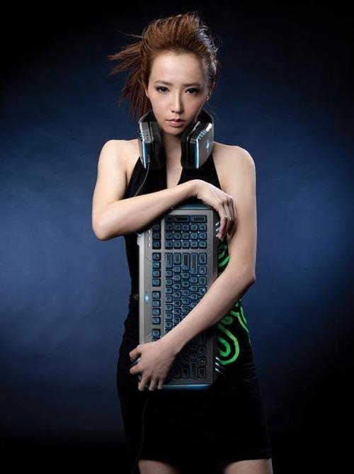 Gamers Tercantik Dan Terseksi Di Dunia - Linda Liao