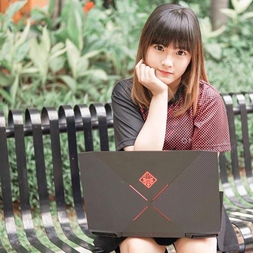 Gamers Tercantik Dan Terseksi Di Dunia - Mutiara Donna Visca