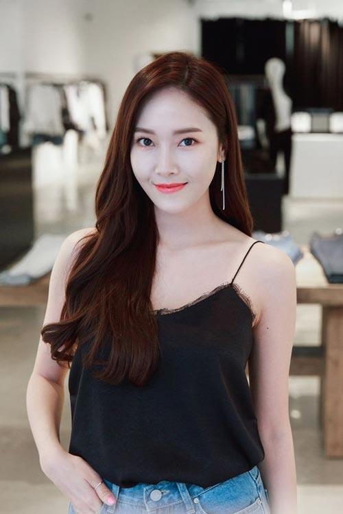Model dan Warna Rambut Artis Korea Yang Bisa Ditiru - Jessica Jung