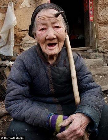 Deretan Manusia Terunik Di Dunia - Zhang Ruifang