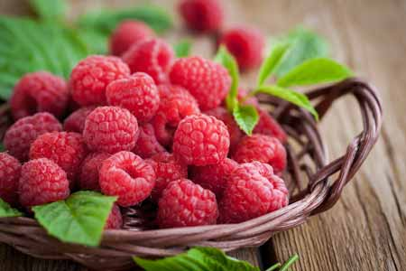 Berbgai-Jenis-Buah-Berry-Beserta-Manfaatnya-Raspberry