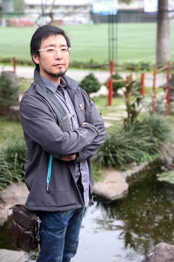 Pria-Berdarah-Jepang-Peru-Berhasil-Bersihkan-Danau-Yang-Tercemar
