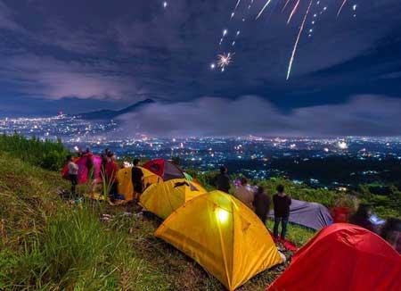 Tempat Camping Terbaik Di Bogor - Bukit Alesano