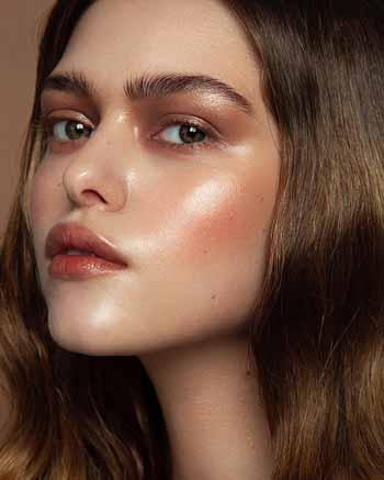 Trend-Makeup-2020-Glass-skin