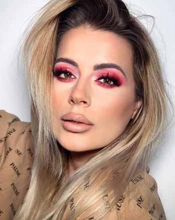 Trend-Makeup-2020-Red-smokey-eye