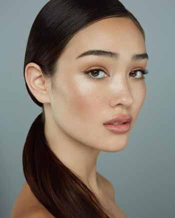 Trend-Makeup-2020-Sheer-makeup