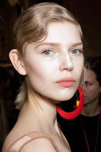 Trend Rambut 2020 Sculpted fringe