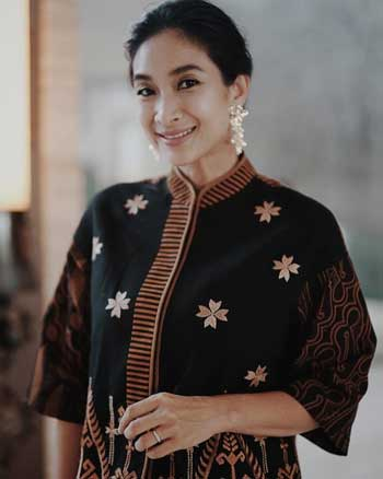 Artis Indonesia Berkulit Eksotis - Happy Salma