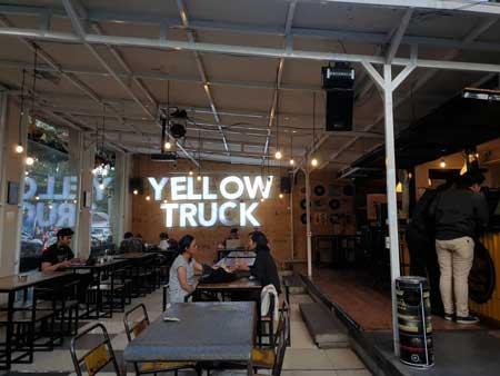 Kedai Kopi Terbaik Di Solo - Yellow Truck
