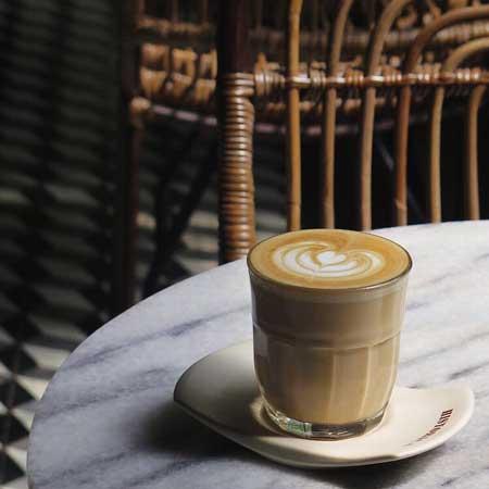 Kedai Kopi Terbaik Di Surabaya - Historica Coffee & Pastry