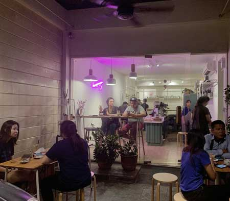 Kedai Kopi Terbaik Di Surabaya - Titik Koma Coffee