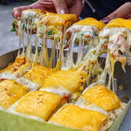 Makanan-Kekinian-Dengan-Topping-Mozarela-Yang-Bakal-Buat-Kamu-Ketagihan