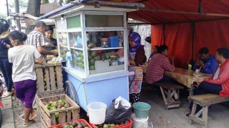 Tempat Makan Yang Enak Dan Murah Di Medan - Pokat Kocok Bu Lia Simpang Glugur