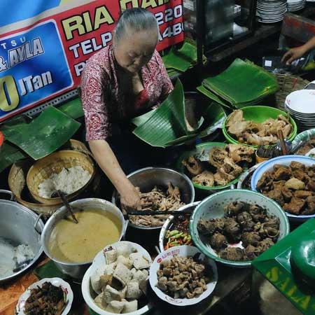 Tempat Wisata Kuliner Di Solo - Gudeg Ceker Bu Kasno