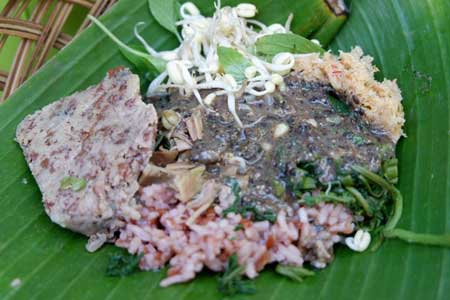 Tempat Wisata Kuliner Di Solo - Pecel Ndeso Solo