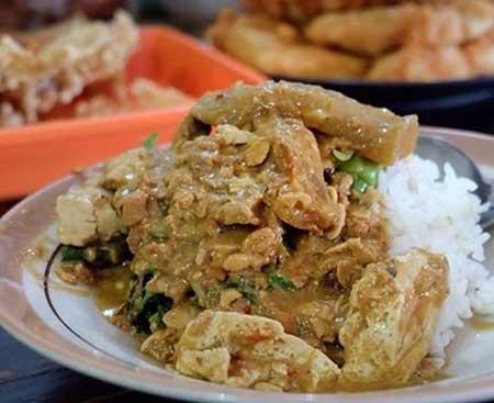 Tempat Wisata Kuliner Di Solo - Sambel Tumpang Pecel Bu Kis