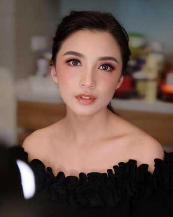 Deretan Artis Indonesia Berwajah Oriental - Chelsea Olivia