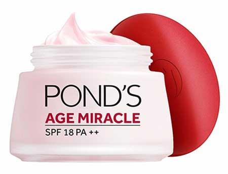 Produk Kosmetik Pond's Lengkap Dengan Harga - Pond's Age Miracle SPF 18 PA++