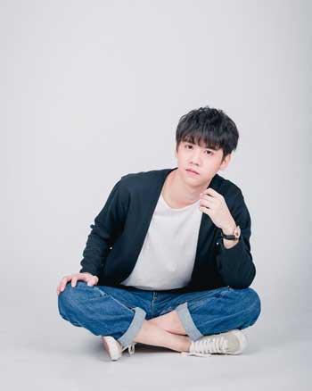 Aktor Thailand Paling Ganteng - Harit Cheewagaroon