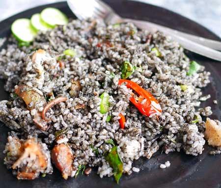 Jenis Nasi Goreng Yang Ada di Indonesia - Nasi Goreng Hitam