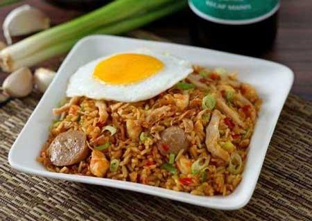 Jenis Nasi Goreng Yang Ada di Indonesia - Nasi Goreng Spesial