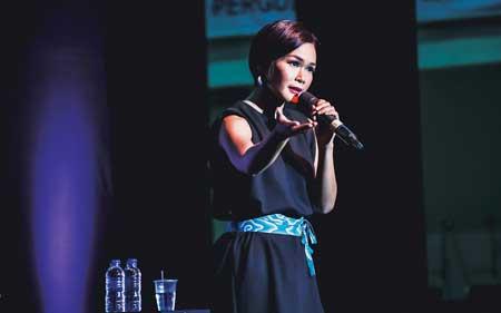 Komika Wanita Indonesia Terlucu - Fathia Saripuspita