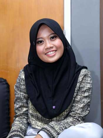 Komika Wanita Indonesia Terlucu - Musdalifah Basri