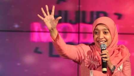 Komika Wanita Indonesia Terlucu - Sakdiyah Ma'ruf