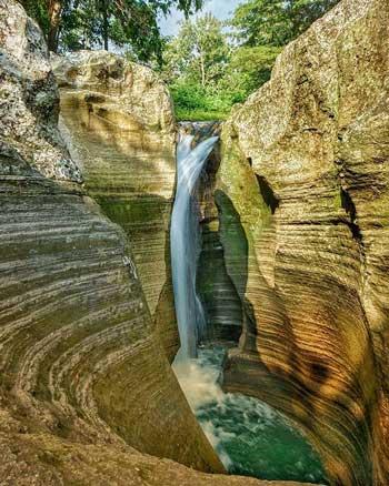 Tempat Wisata Alam Terbaik Di Jogja - Air Terjun Luweng Sampang