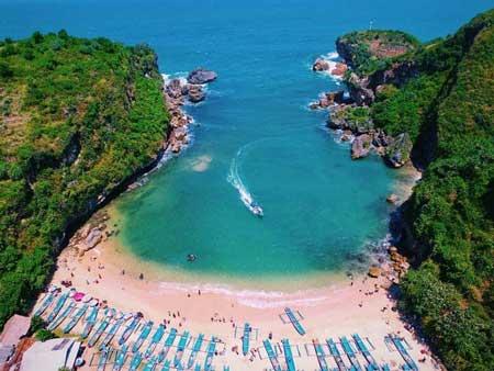 Tempat Wisata Alam Terbaik Di Jogja - Pantai Ngrenehan
