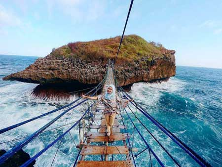 Tempat Wisata Alam Terbaik Di Jogja - Pantai Sinden