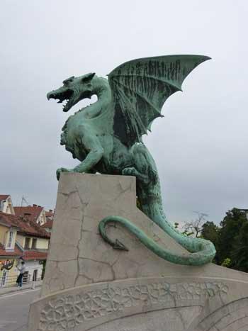 Berbagai Bentuk Naga Berdasarkan Mitos Yang Ada Di Dunia - Zmaj