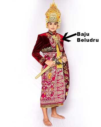 Nama-Kelengkapan-Pakaian-Adat-Bali-Beserta-Contohnya
