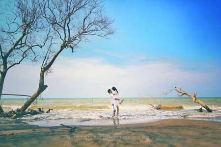 Tempat-Wisata-Terbaik-Di-Subang-Pantai-Cirewang