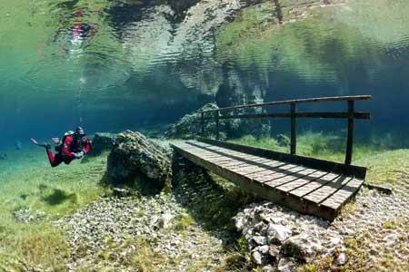10 Destinasi Dengan Pemandangan Bawah Laut Terindah Di Dunia - Green Lake