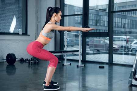 Berbagai Jenis Olahraga Ringan Yang Dibutuhkan Tubuh Setiap Hari - Squat